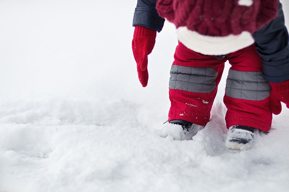 3 Tips for Preparing Your Kids For A Change in Seasons
