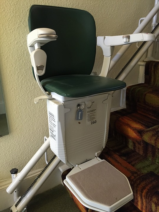 4 Reasons to Choose a Straight Stairlift
