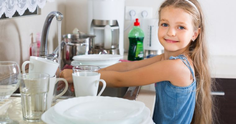 Kids, Chores and Finances – a Concise Approach to Teaching These Lessons