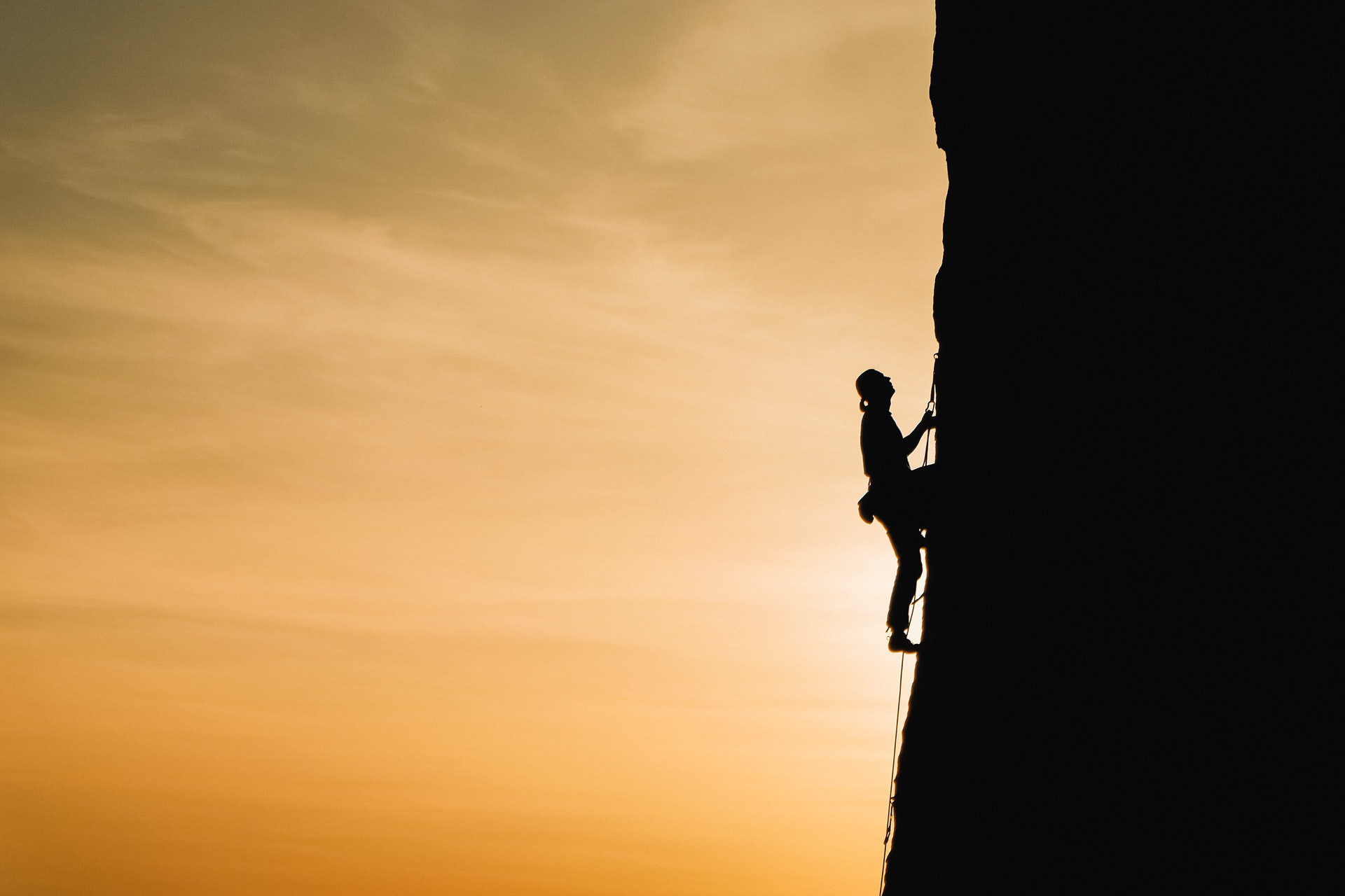 Tips For When You Try Rock Climbing
